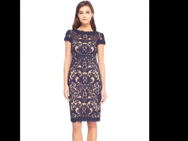 Tadashi Shoji Navy Embroidered Lace Cocktail Formal Bridesmaid/Mob Dress Size 6 (S) Tadashi Shoji Navy Embroidered Lace Cocktail Formal Bridesmaid/Mob Dress Size 6 (S) Image 1
