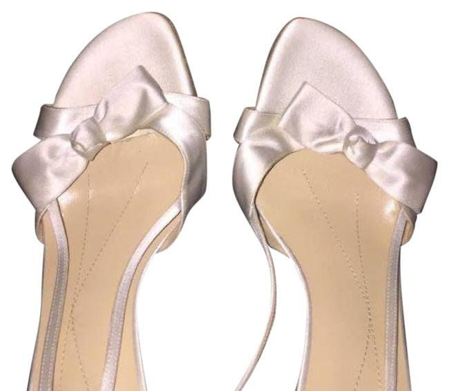 Item - White Wedding Formal Shoes Size US 8 Regular (M, B)