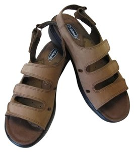 Dr. Scholl's New Leather light brown Sandals