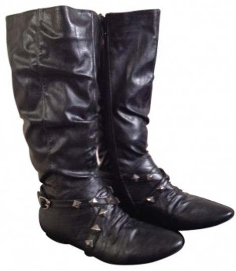 Preload https://img-static.tradesy.com/item/26645/wanted-black-slouch-studded-bootsbooties-size-us-9-regular-m-b-0-0-540-540.jpg