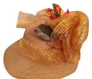 DY Gold Straw hat with flowers