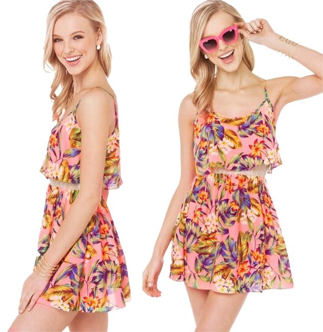 Preload https://img-static.tradesy.com/item/2664832/tropical-floral-print-short-casual-dress-size-8-m-0-0-650-650.jpg