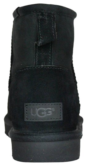 Preload https://img-static.tradesy.com/item/26649501/ugg-australia-black-new-women-s-classic-mini-ii-winter-bootsbooties-size-us-9-regular-m-b-0-1-540-540.jpg