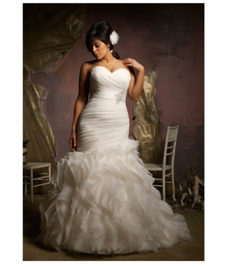 Mori Lee 3124 Modern Wedding Dress Size 16 (XL, Plus 0x) Image 2