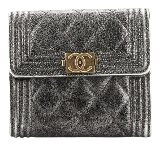 Preload https://img-static.tradesy.com/item/26649712/chanel-boy-bifold-wallet-quilted-calfskin-compact-brown-metallic-leather-clutch-0-1-540-540.jpg