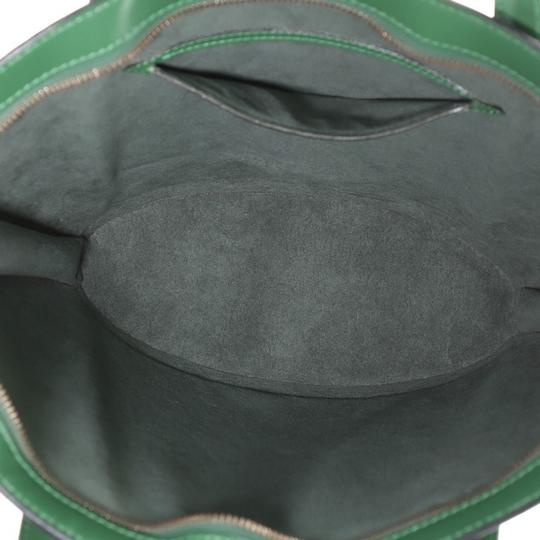 Louis Vuitton Handbag Leather Tote in green Image 5