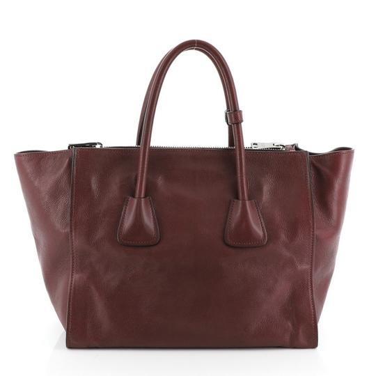 Prada Leather Tote in red Image 2