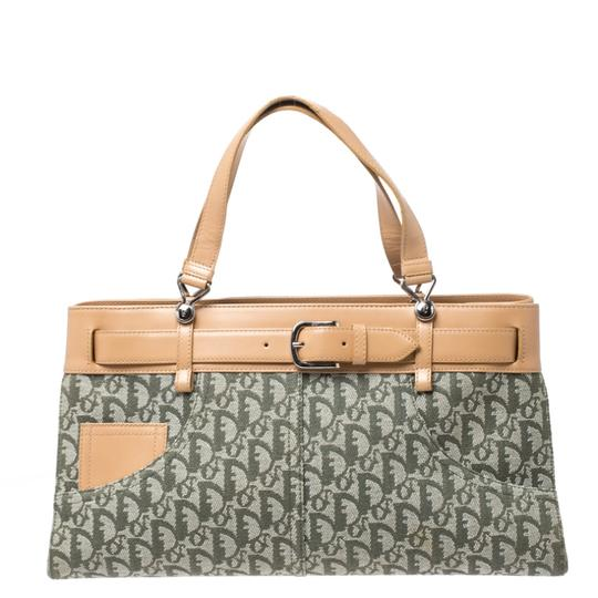 Preload https://img-static.tradesy.com/item/26649981/dior-italy-green-canvas-and-leather-tote-0-0-540-540.jpg