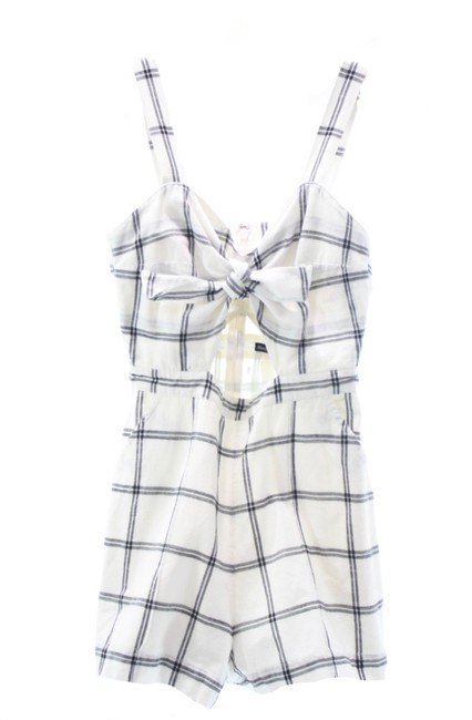 Preload https://img-static.tradesy.com/item/26650066/abercrombie-and-fitch-white-plaid-size-4-new-with-tags-romperjumpsuit-0-0-650-650.jpg