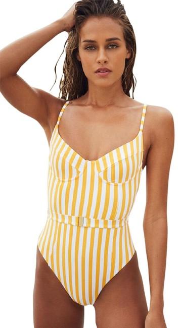 Item - Yellow Weworewhat Danielle Striped Belted Swimsuit Ws40-14xwww One-piece Bathing Suit Size 8 (M)