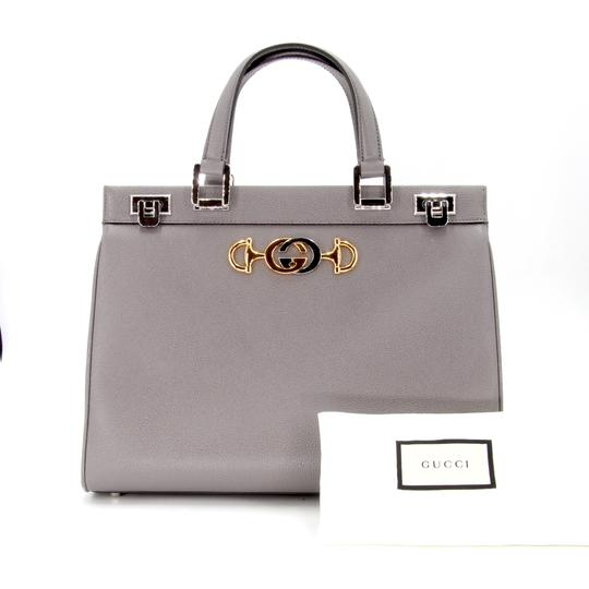 Gucci Zumi Medium Zumi Zumi Zumi Black Zumi Medium Tote in Grey Image 1