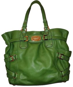 Michael Kors Tote in Green pebbled leather