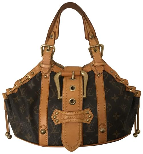 Preload https://img-static.tradesy.com/item/26653910/louis-vuitton-theda-pm-canvas-and-leather-baguette-0-3-540-540.jpg