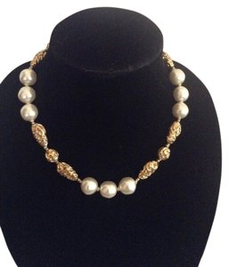 Chanel RARE VINTAGE CHANEL GOLD PLATED NUGGET & GLASS PEARL NECKLACE