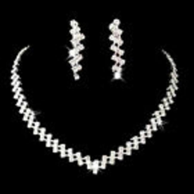 Crystals Necklace Light Weight Jewelry Set Crystals Necklace Light Weight Jewelry Set Image 1