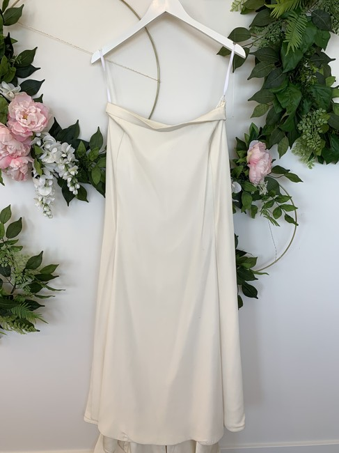 Item - Ivory Silk Dune Feminine Wedding Dress Size 8 (M)