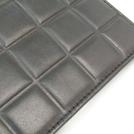Chanel Black Bar Quilted Leather Card Holder Cover Image 4