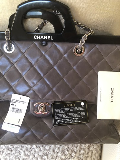Chane Tote in Grey Image 1