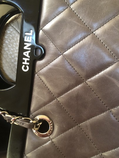 Chane Tote in Grey Image 10