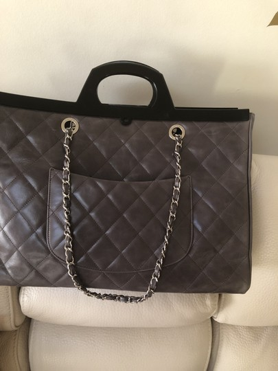 Chane Tote in Grey Image 3