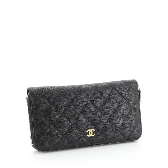 Chanel Wallet Leather Wristlet in black Image 2