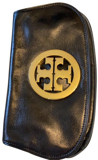 Preload https://img-static.tradesy.com/item/26667861/tory-burch-reva-blackwith-gold-leather-clutch-0-1-540-540.jpg