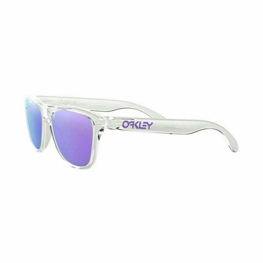 Preload https://img-static.tradesy.com/item/26667869/oakley-polished-clear-frame-and-xs-violet-iridium-lens-oj9006-03-frogskins-square-unisex-sunglasses-0-0-540-540.jpg