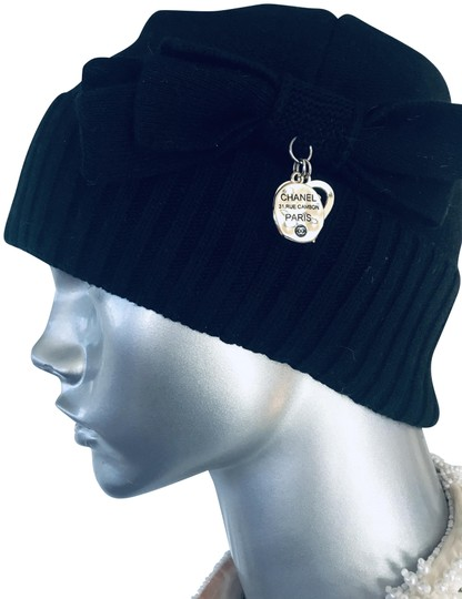 Preload https://img-static.tradesy.com/item/26667904/chanel-black-cambon-nwot-31-rue-hat-0-1-540-540.jpg