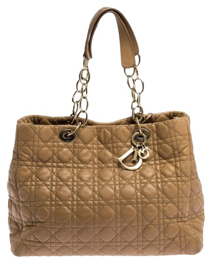 Preload https://img-static.tradesy.com/item/26667908/dior-cannage-quilted-large-shopper-beige-leather-tote-0-2-540-540.jpg