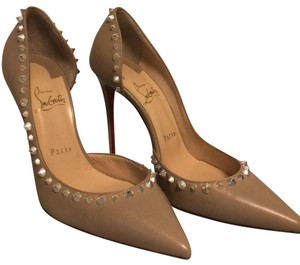 Christian Louboutin nude with gold Pumps