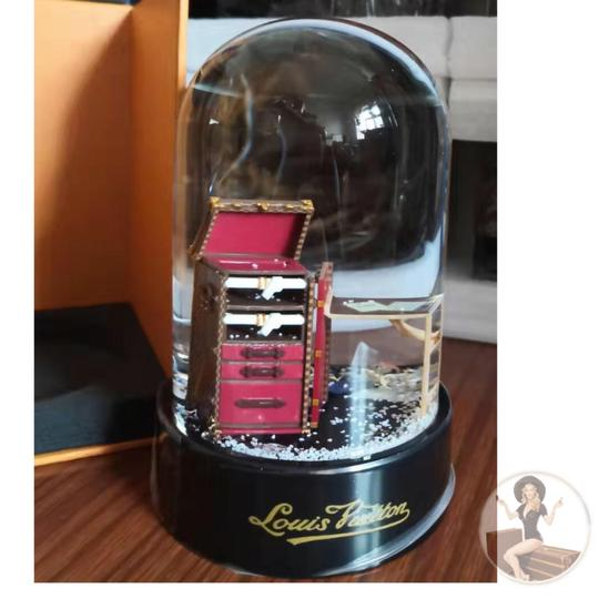 Louis Vuitton Louis Vuitton VIP Damier Steamer Bag/Trunk Snow Globe *new in box* Image 2