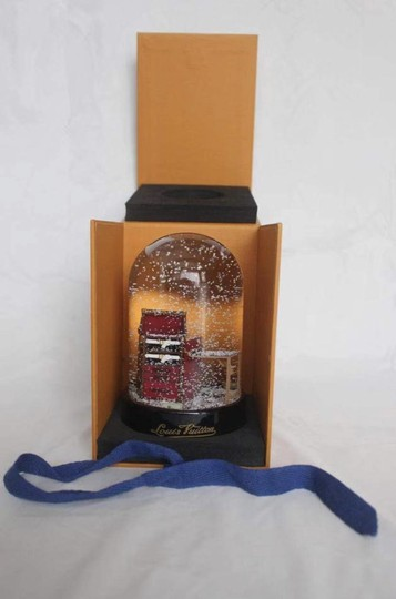 Louis Vuitton Louis Vuitton VIP Damier Steamer Bag/Trunk Snow Globe *new in box* Image 6