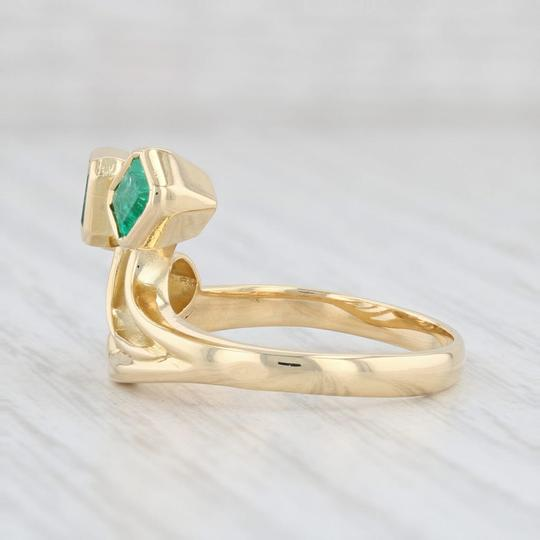 Other 0.96ctw Emerald Diamond Ring - 18k Gold Size 8 Abstract Cocktail Image 2