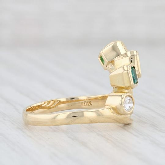 Other 0.96ctw Emerald Diamond Ring - 18k Gold Size 8 Abstract Cocktail Image 4