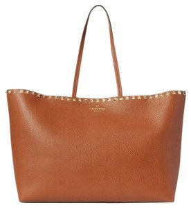 Valentino Rockstud Leather Carryall Tote in Brown tan
