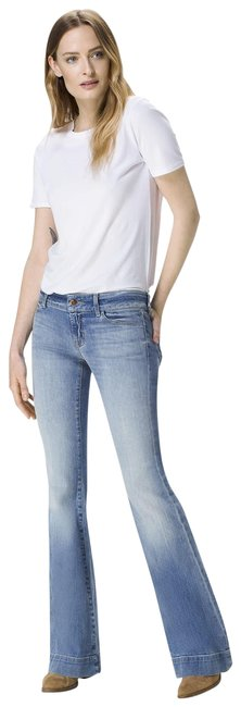 Item - Light Wash 'love Story' Flare Leg Jeans Size 29 (6, M)