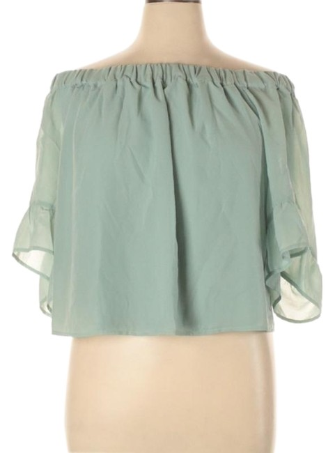 Express Green L Outlet 3/4 Sleeve Cropped Blouse Size 14 (L) Express Green L Outlet 3/4 Sleeve Cropped Blouse Size 14 (L) Image 1