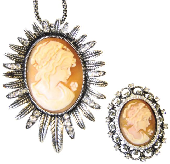 Item - Silvertone Crystal Cameo Pendant and Crystal Cameo Ring Necklace