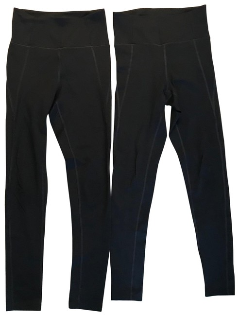 Item - Black Compressive High Rise Activewear Bottoms Size 4 (S)