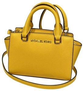 Michael Kors Mk Leather Selma Mini Cross Body Bag