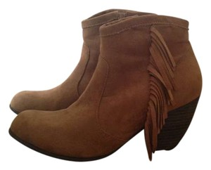 Black Poppy Tan Boots