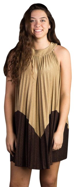 Item - Gold Metallic Pleated Short Cocktail Dress Size 6 (S)