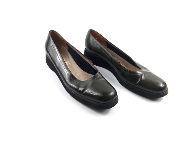 Item - Boutique Dark Green Patent Leather Slip-on Loafers Flats Size US 8.5 Narrow (Aa, N)