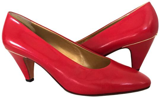 Preload https://img-static.tradesy.com/item/26677039/gucci-red-vintage-classic-leather-heels-pumps-size-eu-37-approx-us-7-regular-m-b-0-1-540-540.jpg