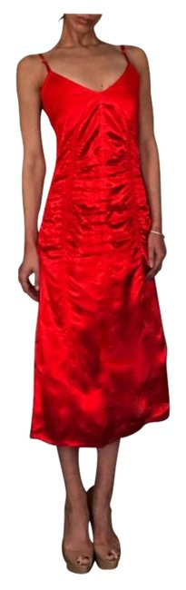 Item - Volcano Red Ruched Satin Slip Midi Mid-length Cocktail Dress Size 2 (XS)