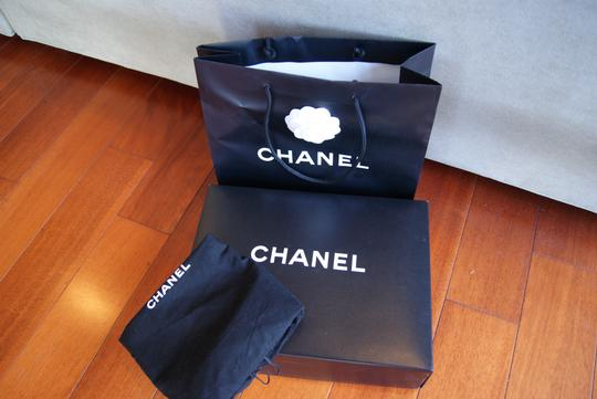 Chanel Quilted Lamb Skin Messenger Cc Cross Body Bag