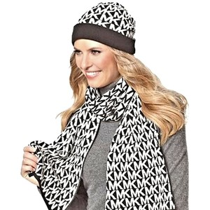 Michael Kors Nwt $98 Michael Kors 3 Piece Set MK Repeat Logo Scarf, Hat & Gloves