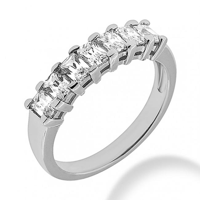 Item - White 1.05 Ct. Ladies Emerald In Shared Prong Mount Women's Wedding Band