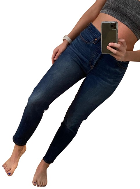 Item - Medium Wash Wedgie Relaxed Fit Jeans Size 6 (S, 28)