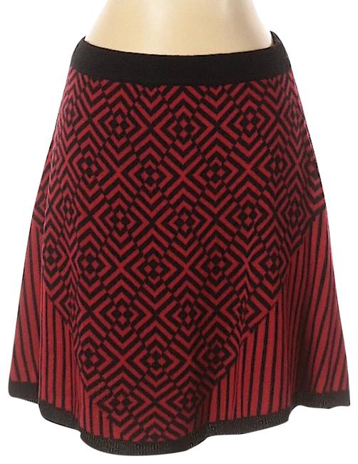 Item - Black and Red Knit Geometric Print A-line Skirt Size 4 (S, 27)